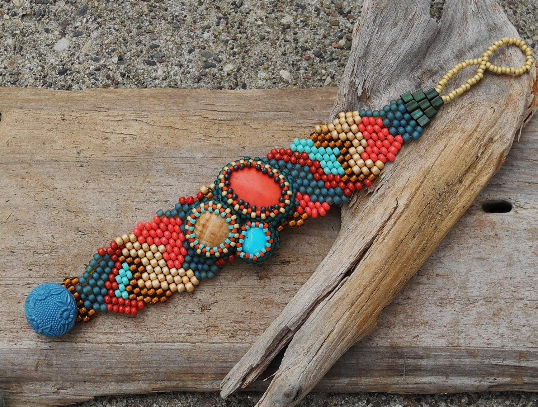 Ponto Peyote Free Form Beaded Cuff Bracelet frisada Cabochão - Bead Tecelagem - Pequenas Coisas da Vida
