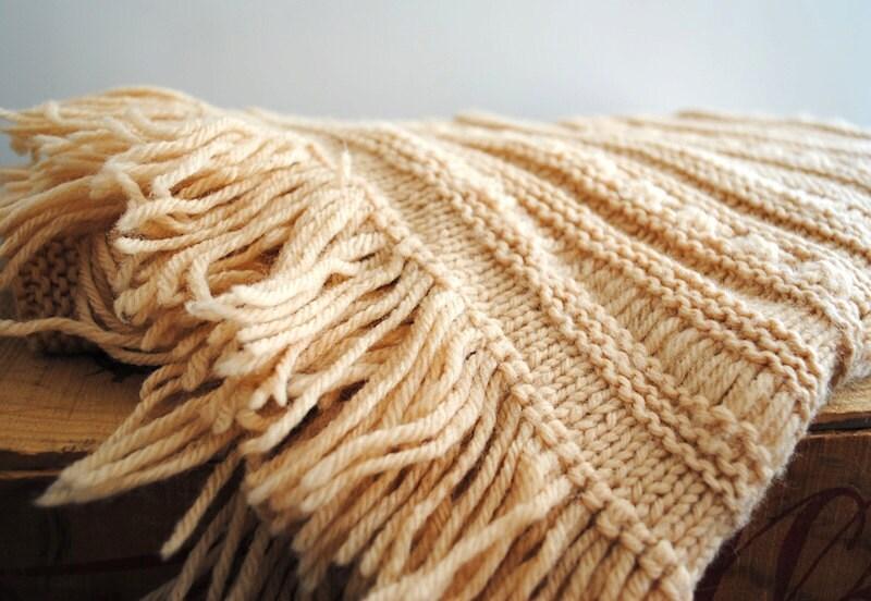 Vintage Shawl - Knitted Wrap - labiblioteca
