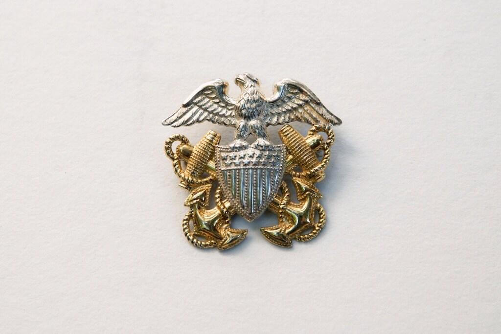 U.S. Navy Officer's Cap Insignia Pin - Park5Vintage