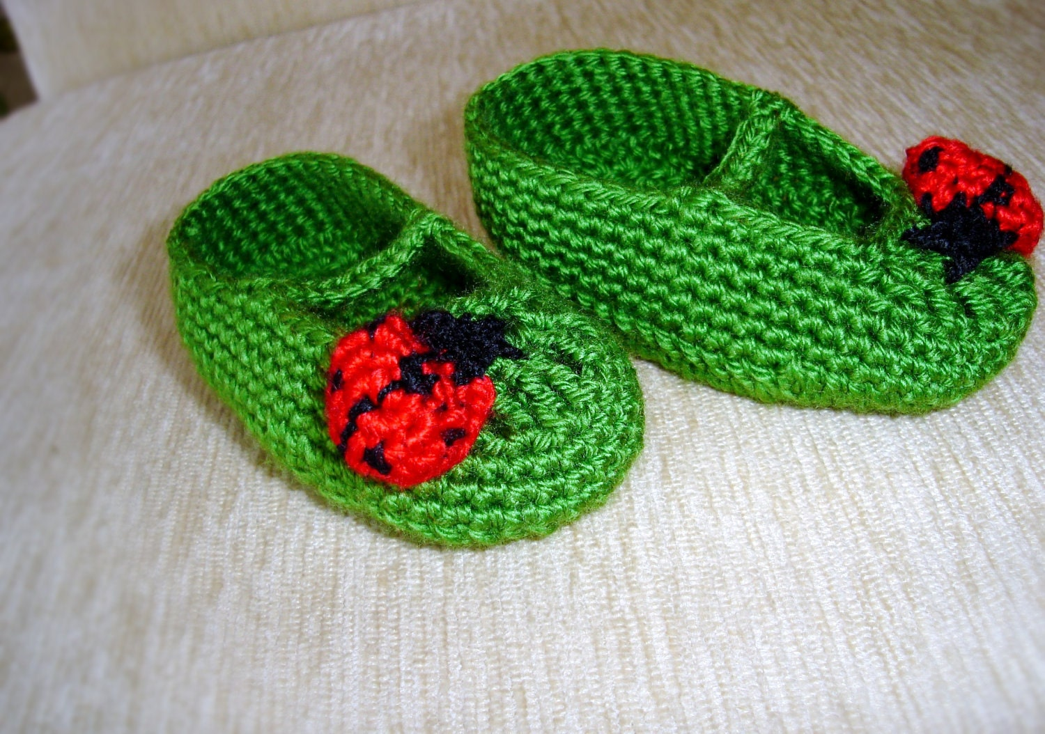 Baby girl bootiesshoesgreen crochet baby shoes 26 by vyldanstyl