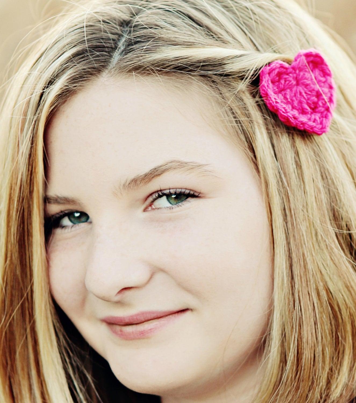 Crochet Hair Styles Diy : DIY} Crochet Heart Hair Clip All {Things} Purdy