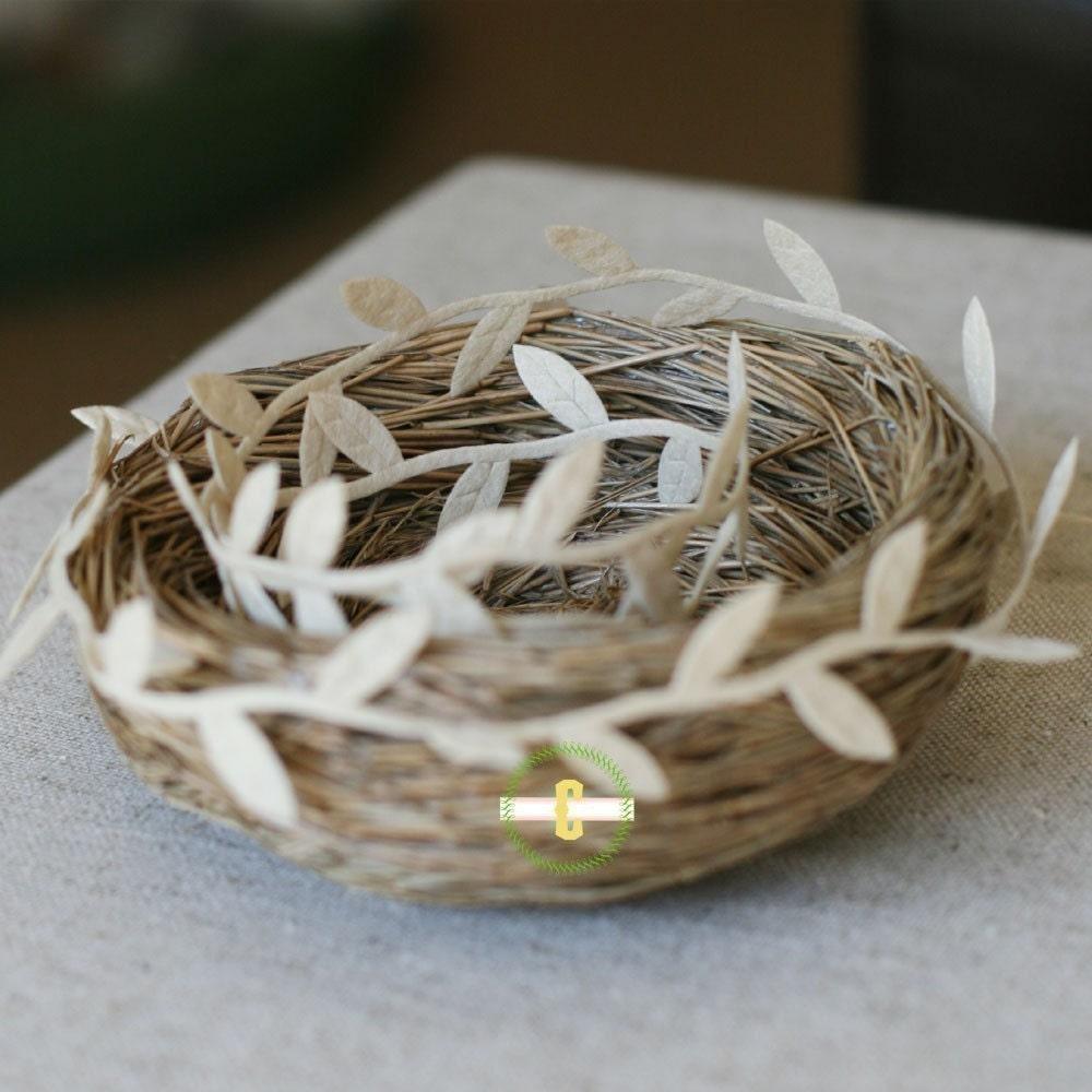 Felt Ivory Leaf Ribbon/Garland - caramelos