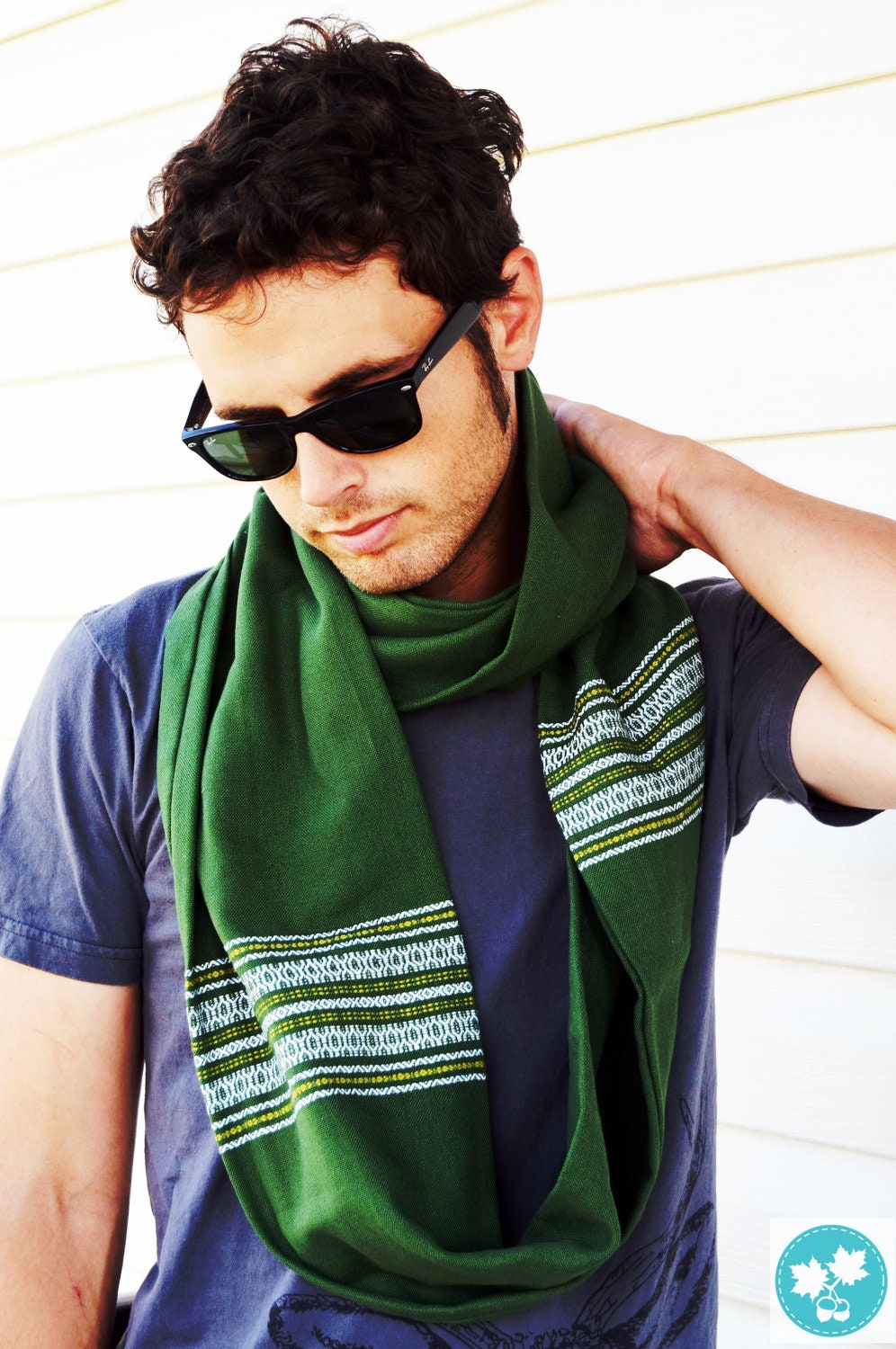 Free shipping on men's scarves at r0nd.tk Shop silk, cashmere & more scarves for men from the best brands. Totally free shipping & returns.