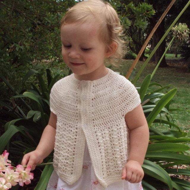 Bernat: Pattern Detail - Baby Boucle - Baby Cardigan (crochet)