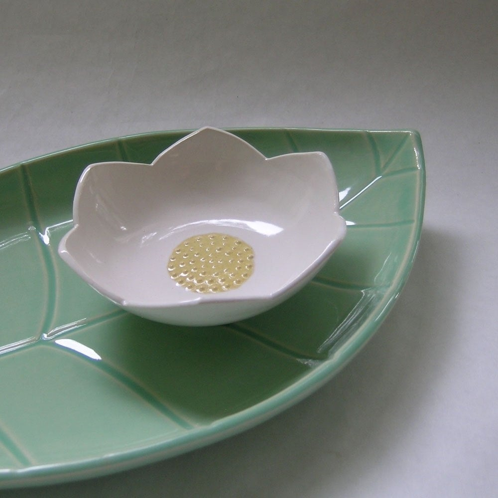 Leaf Platter and Lotus Bowl Ceramic Set