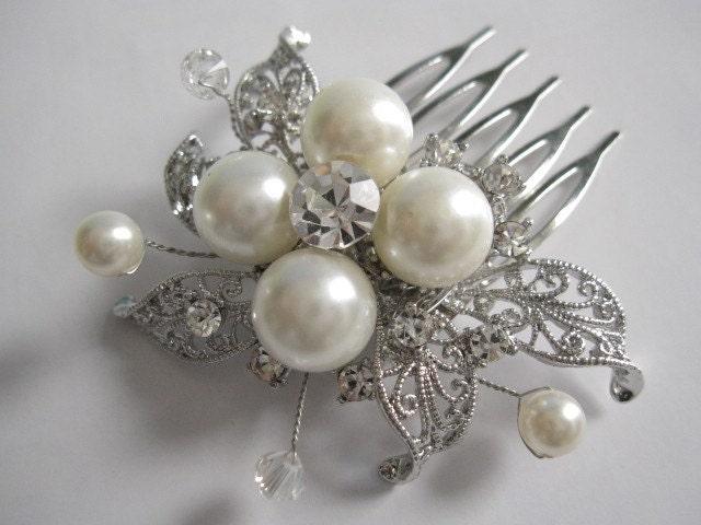 Rhinestone and pearl hair combbridal hair accessories wedding pearl hair