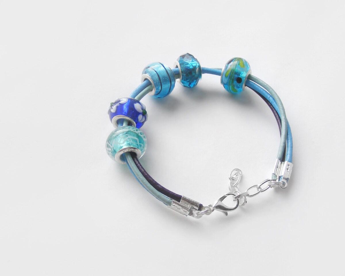 Blue bead bracelet, ooak teal bracelet, blue lampwork bracelet, blue murano glass bracelet - kapelusznik