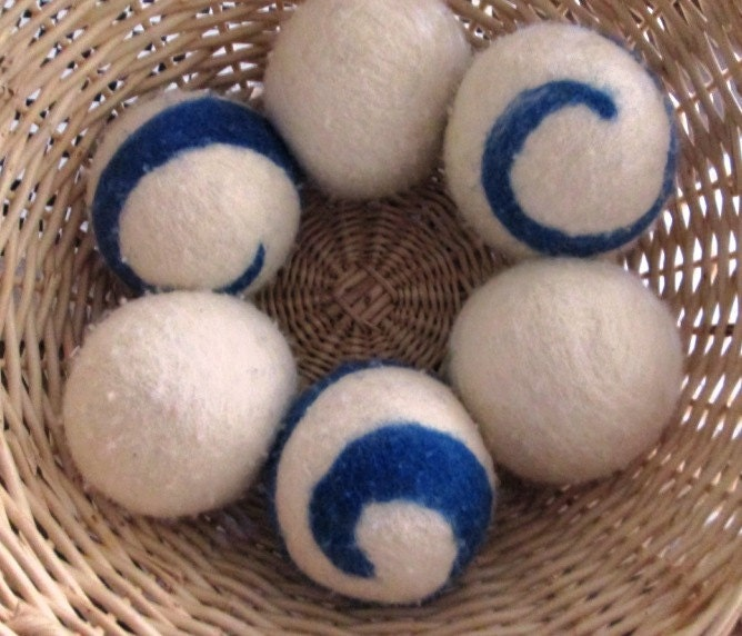 Knitting Pattern For Wool Dryer Balls : Felted Wool Dryer Balls 6 Blue Swirl save by PrettiesNPracticals Craftjuice...