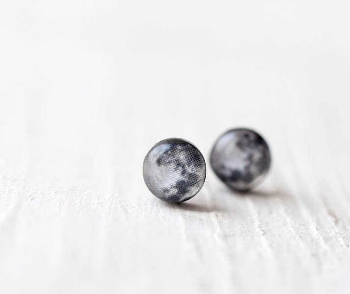 Full moon earring studs  - Tiny ear posts - Space jewelry (E102) - BeautySpot