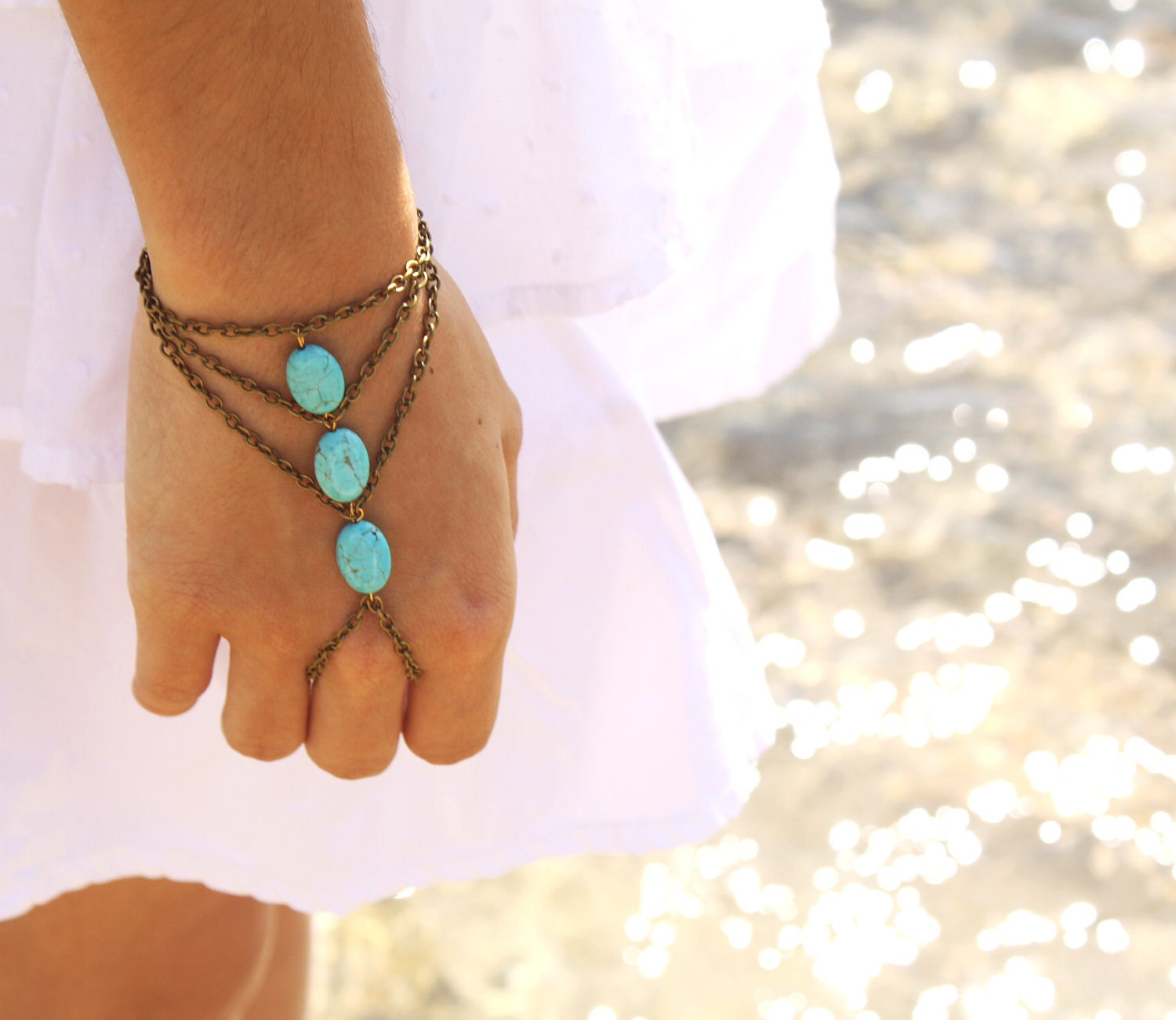 Slave Bracelet Hipster Bronze Chain Bohemian Three Turquoise Beads Triangle Hand Jewelry Piece