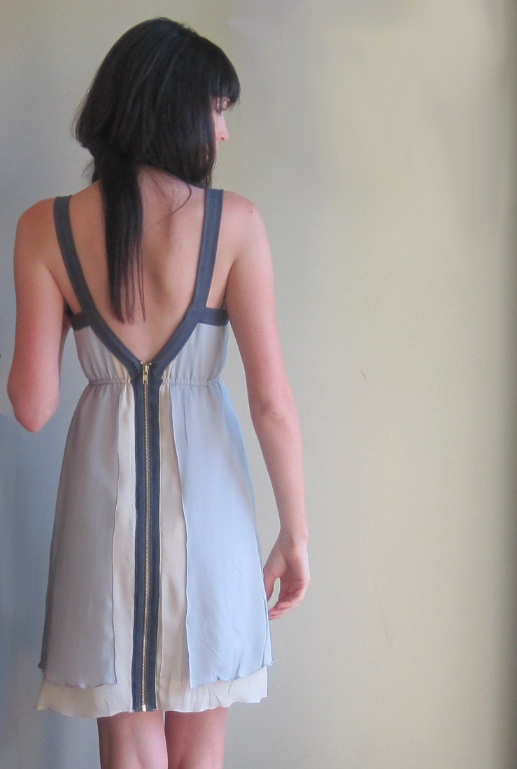Grey minimal silk dress - geometric lines with deep v-neckline and zip up back - large - Minxshop