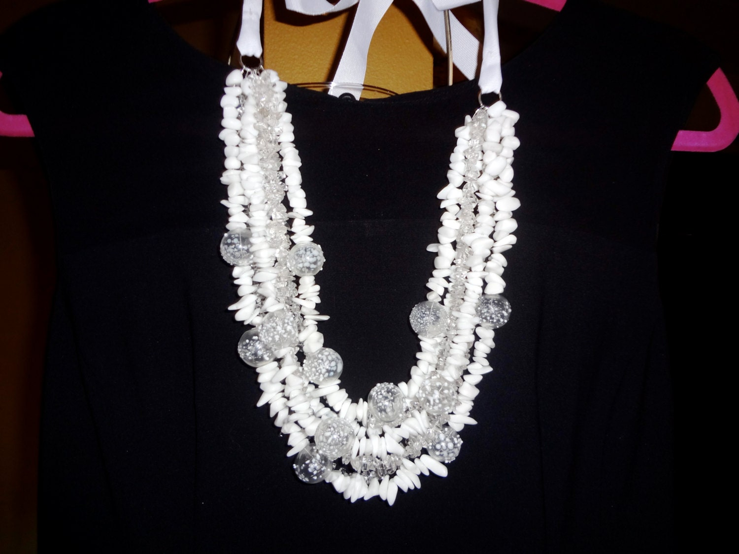 Trendy White glass statement necklace - creativedesignsstore