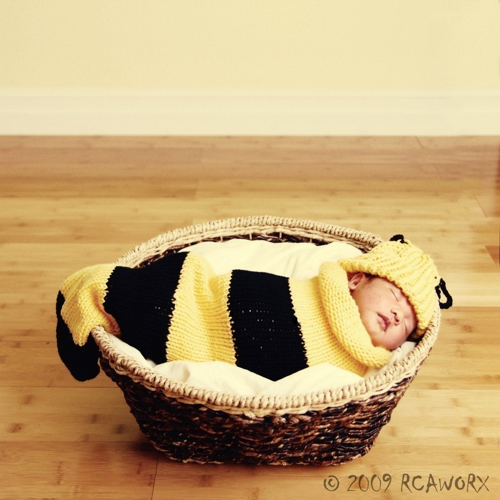 Buzz Baby Bee Newborn Baby Knit Seed Pod Cocoon Plus Hat - ventichai