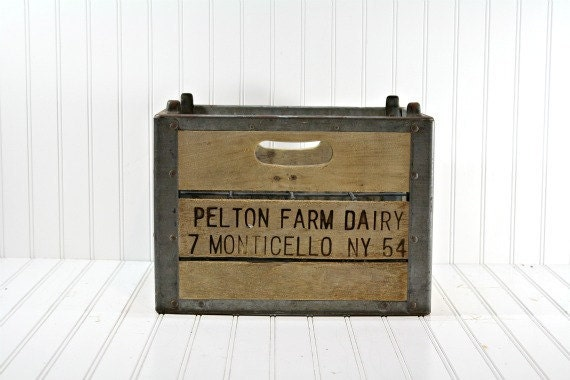 Vintage Wood Crate / Vintage Industrial Storage - HuntandFound