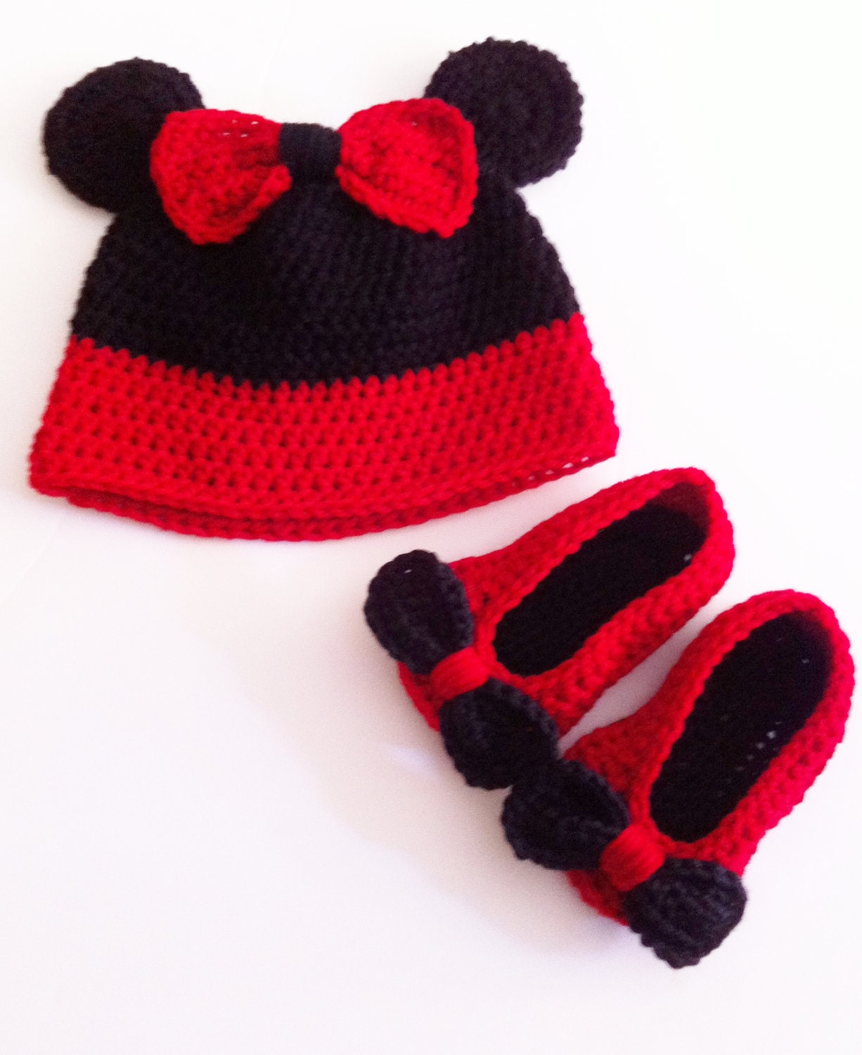 Minnie Mouse Set, Crochet Hat and Shoes, Red Minnie Mouse Hat Set, Made to Order
