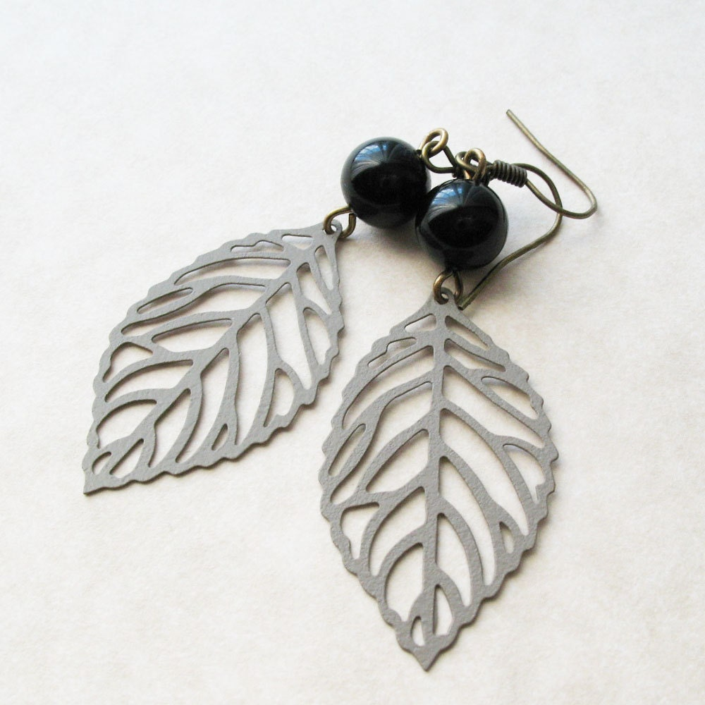 Leaf Earrings - Champagne Dangle Earrings - Autumn Smoke - Gifts Under 15.00 - pulpsushi