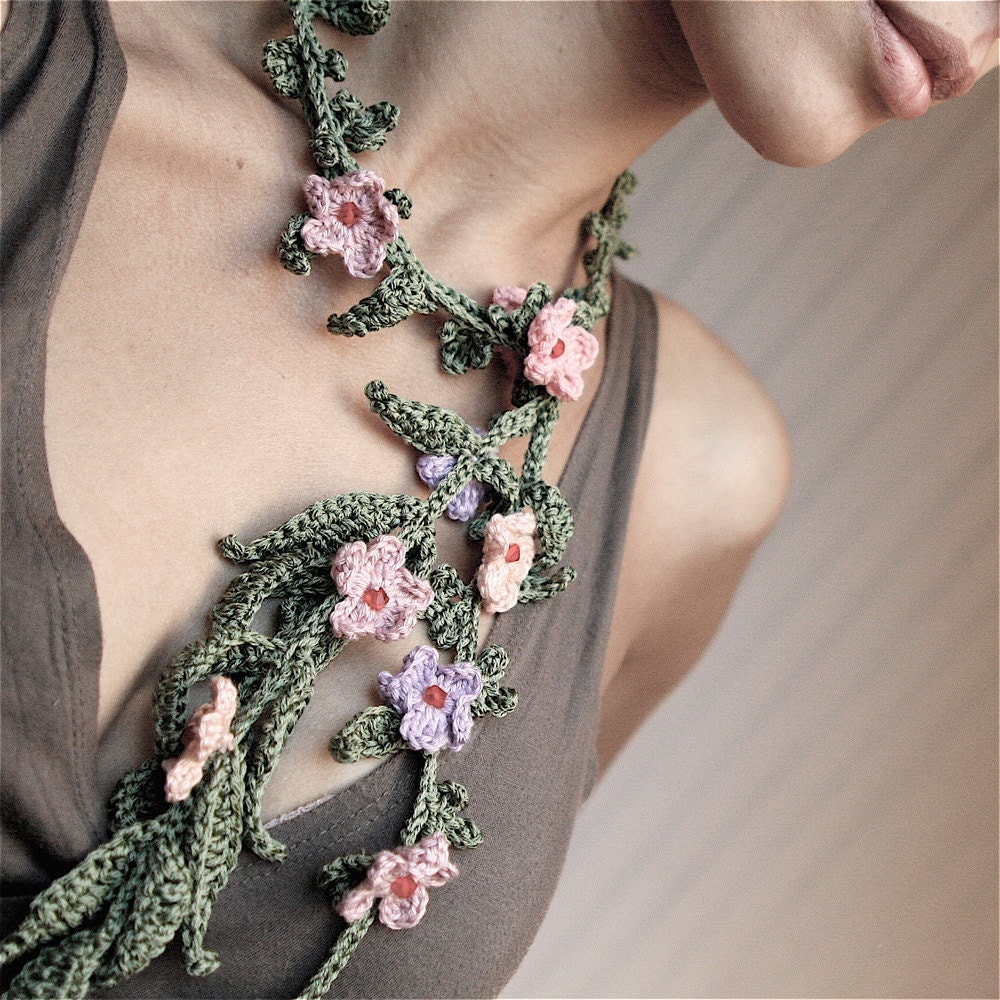 Crochet Lariat Necklace with Tiny Flowers - PDF PATTERN