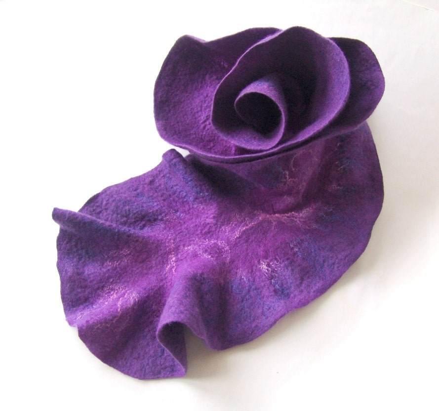Felted scarf ruffle collar  purple lavender lilac by galafilc from etsy.com