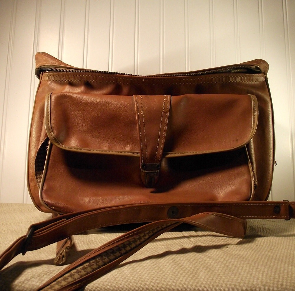 Distressed Leather Old Bag