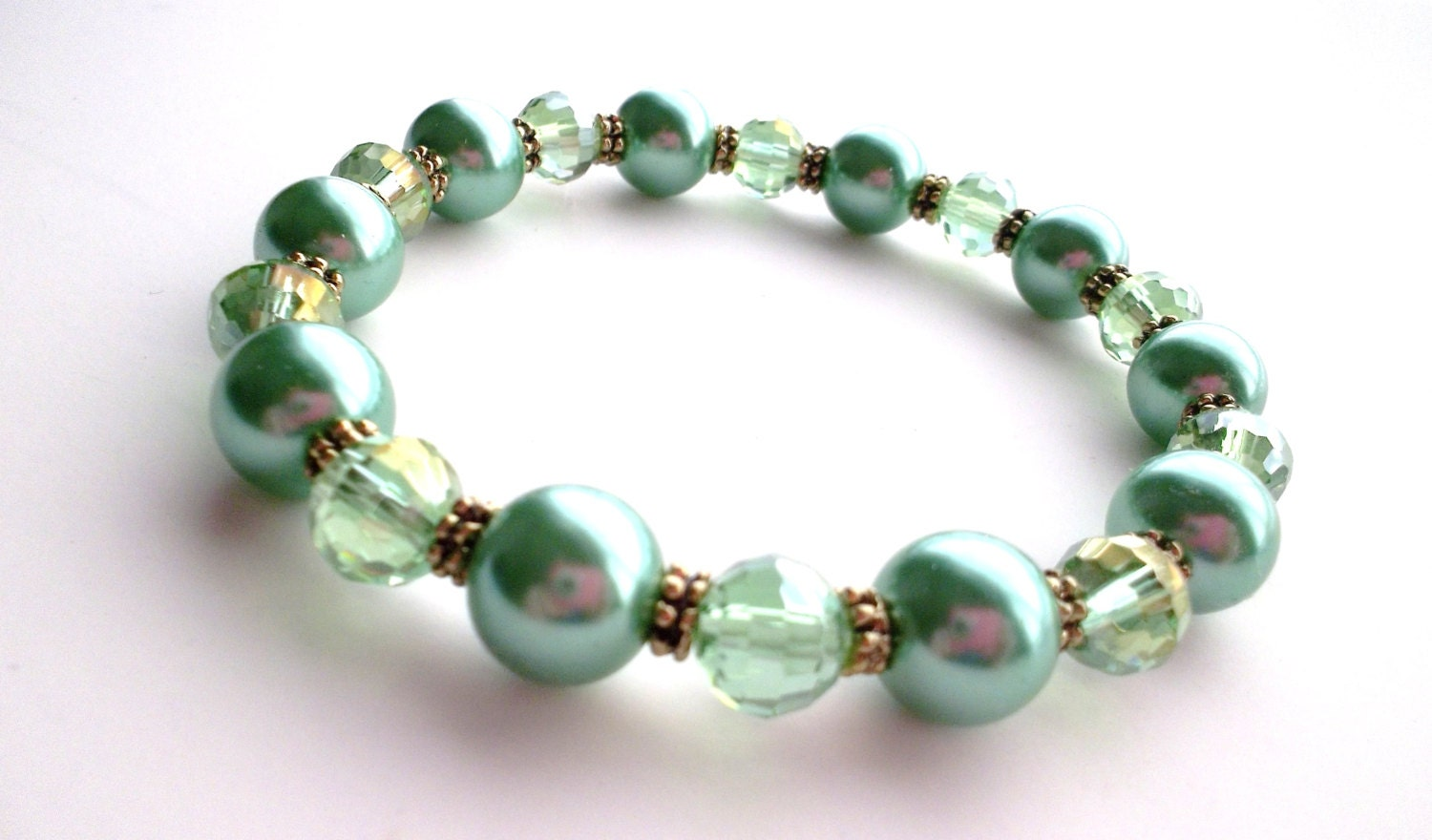 Vintage Inspired Mint Green Pearl and Peridot Crystal Stretch Bracelet - GoviGirl