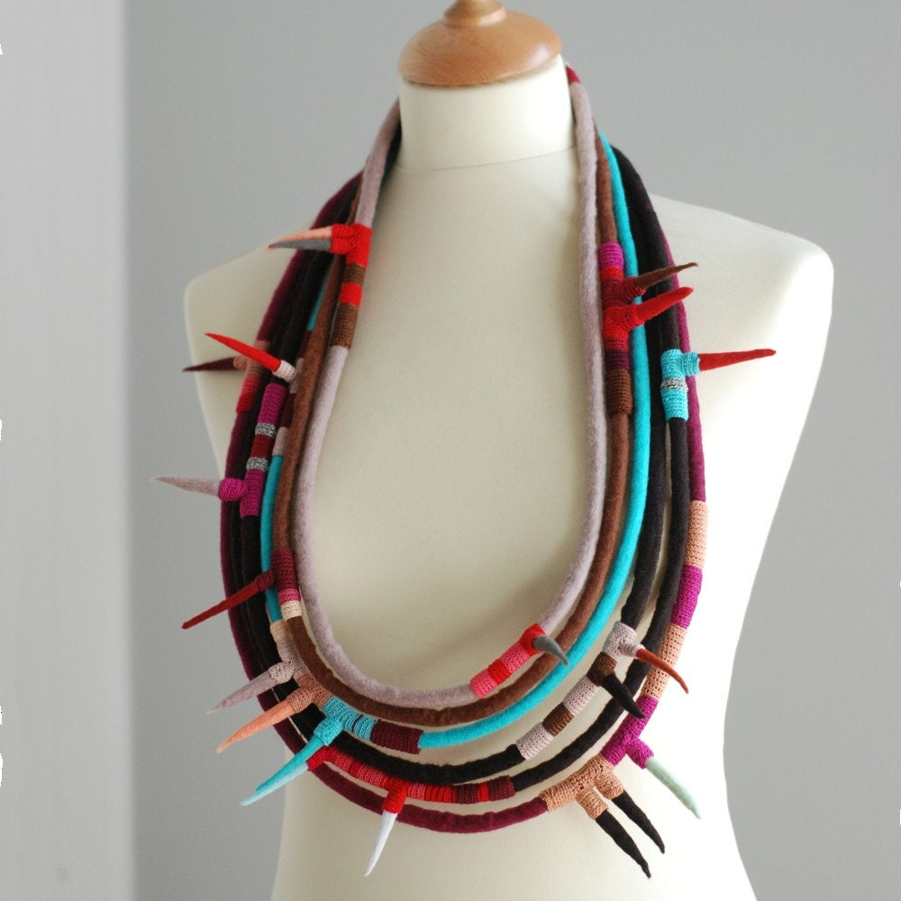 Soft spikes textile necklace