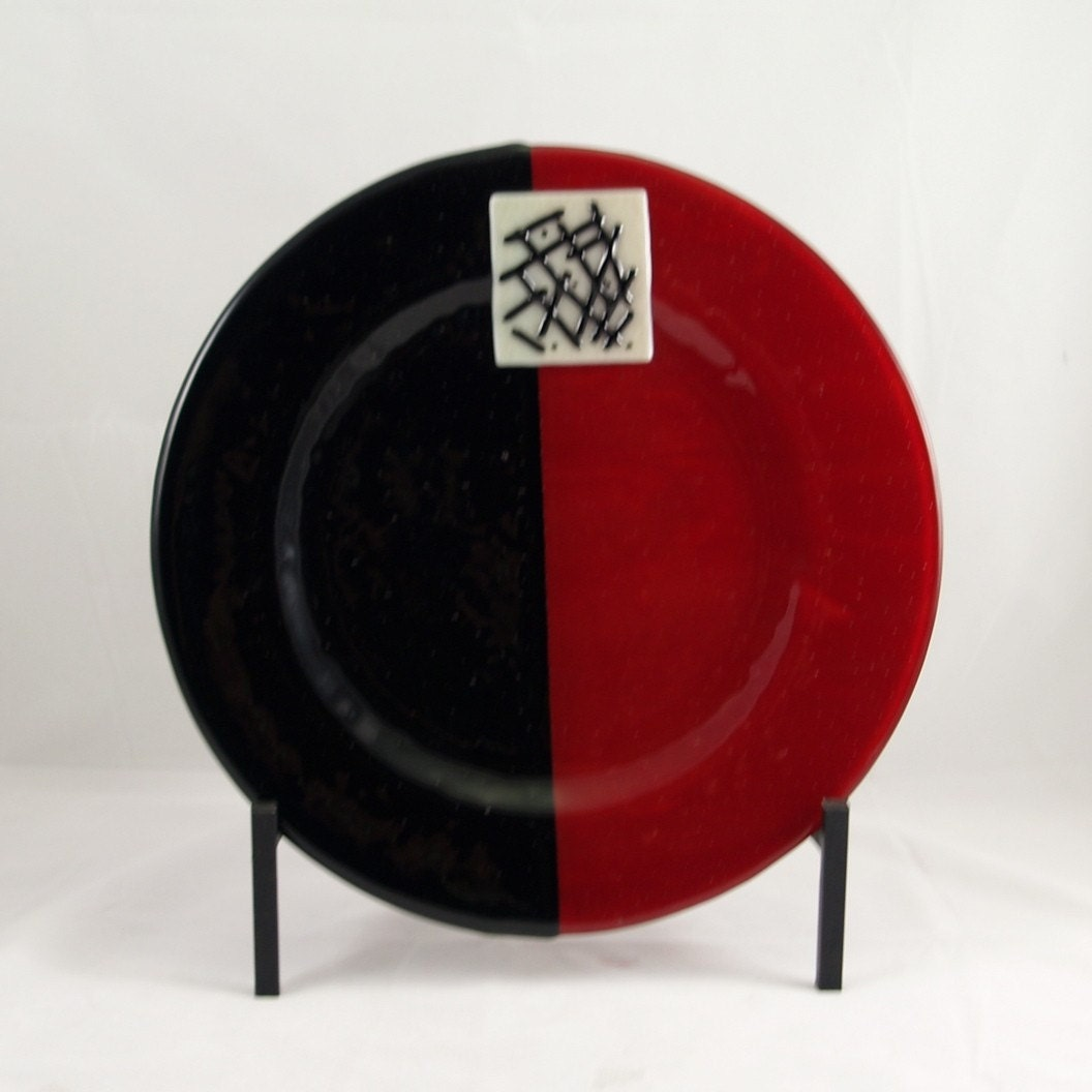 Fused Glass Platter in Red and Black - MargieMcNutt