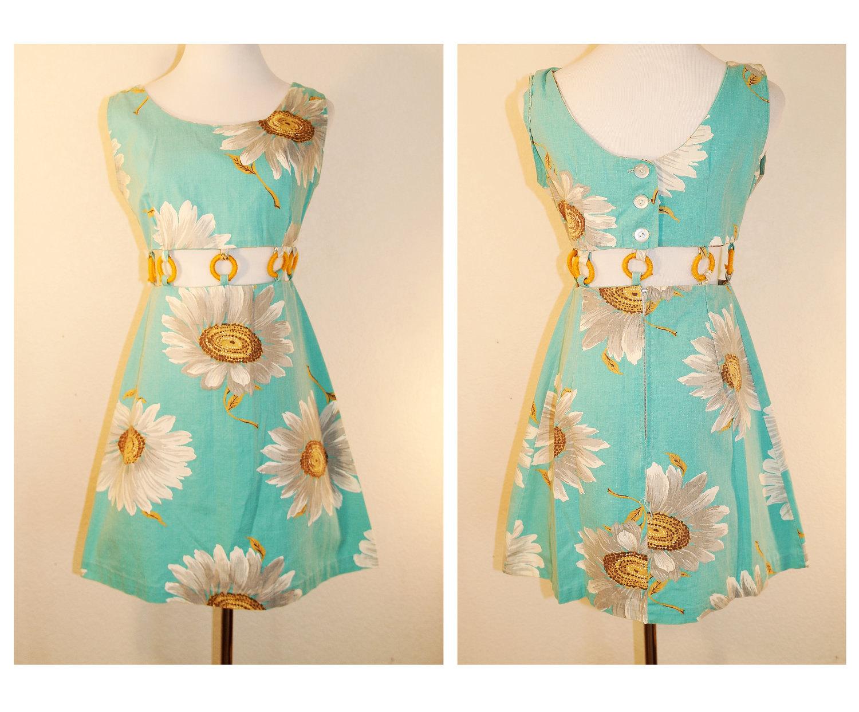 Vtg Swinging 60s Dress/ Vintage 60s Cut Out Floral Metal Zipper Dress - bonnechancevintage