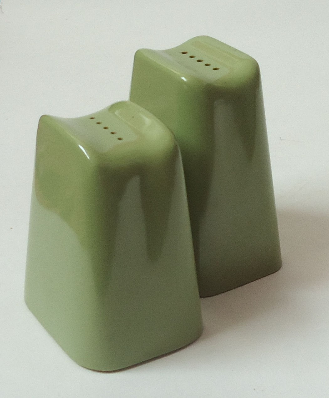 Melmac SALT and PEPPER Shakers