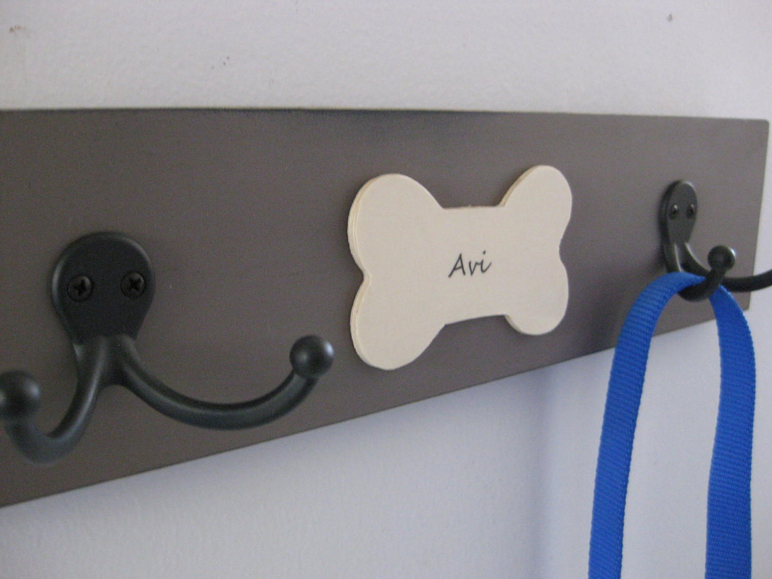 pet leash hooks, personalized, dog lovers leash hanger, with pups' names and double hook - riricreations