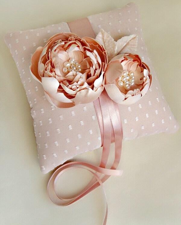 Розовый Dot шелковый шифон и обрушенное Пионы кольцо подушки