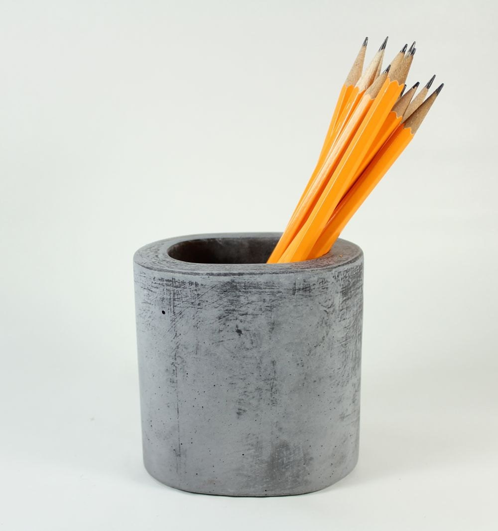 Oval Concrete Pot / Vase - roughfusion