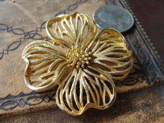 trifari clover brooch