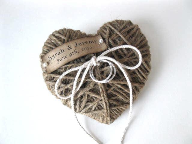 Heartstrings - обручальное кольцо держателя - персональное имя / дата - повторного использования в качестве украшения