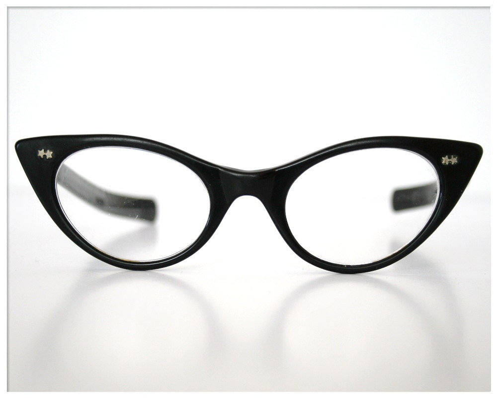 cef8ffcb1e some simple yet fun and quirky legit 50s 60s plain black cat eye glasses  with dainty little stars on the edge of each side of the rims. Check them  out here!