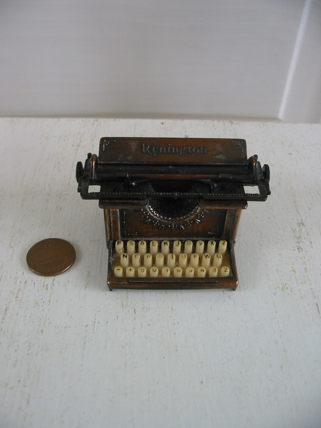Typewriter Pencil Sharpener Metal Remington Office Supply - vintagejane