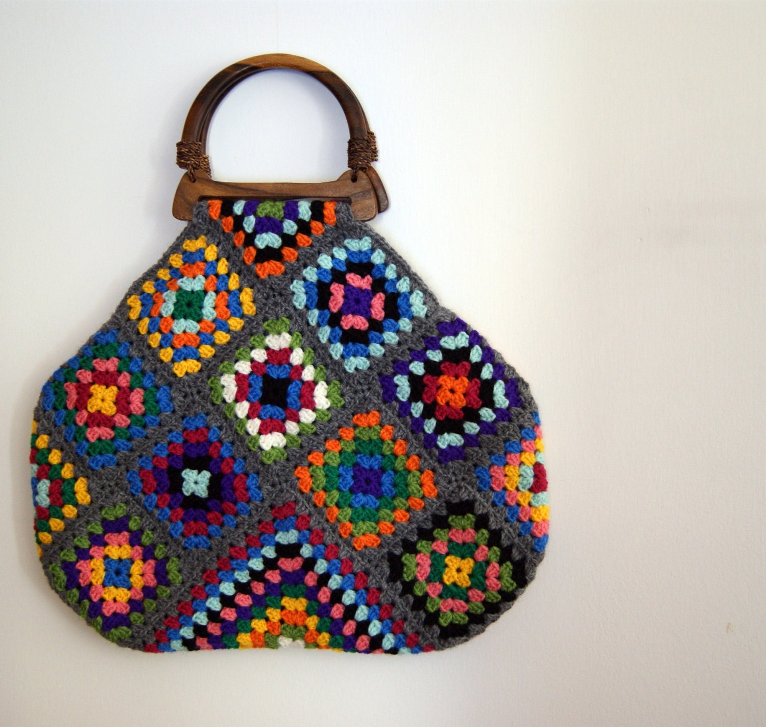 "Free Pattern: Simple 7"" Granny Square to Crochet - Yahoo! Voices"