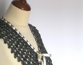 Black and White Lace Collar