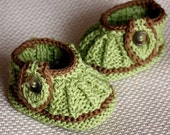 Knitting  Pattern (PDF file) Leaf Baby Booties (0-6/6-12 months)