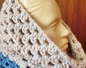 Christmas sale- 11.90- Crocheted Cowl