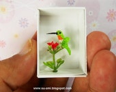 Tiny Miniature Hummingbird - Micro Crochet Birds - Hummmingbird in Green Red