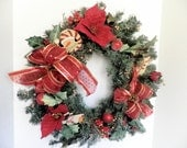 Wreath, Holiday, Christmas red green and gold