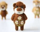 Light brown bear with cammomiles 55