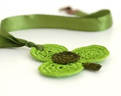 Crochet Necklace Green Shamrock