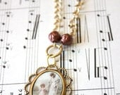 Victorian pendant necklace - romantic - red rose beads - gold chain