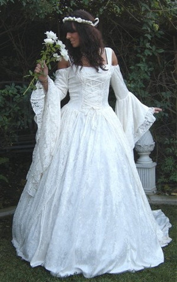 Pacittis Blog Gwendolyn Medieval Or Renaissance Wedding Gown