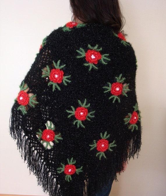 شال توری سیاه مثلث با گل قرمز