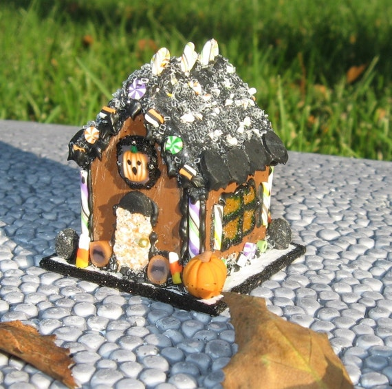 CDHM Artisan Julie Davis of The Sweet Baker has a unique Halloween Dollhouse Miniature Gingerbread House in 1:12 scale