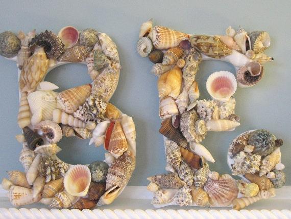 как сделать из ракушек объемные буквы.