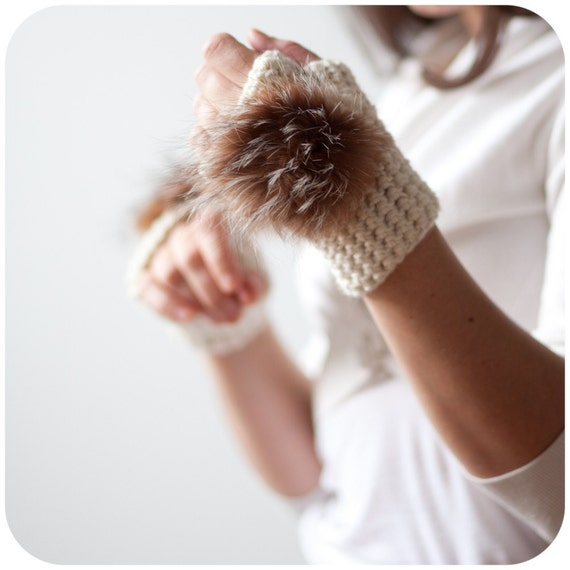 Wild Fauve Paws - Fingerless Gloves with recycled fur