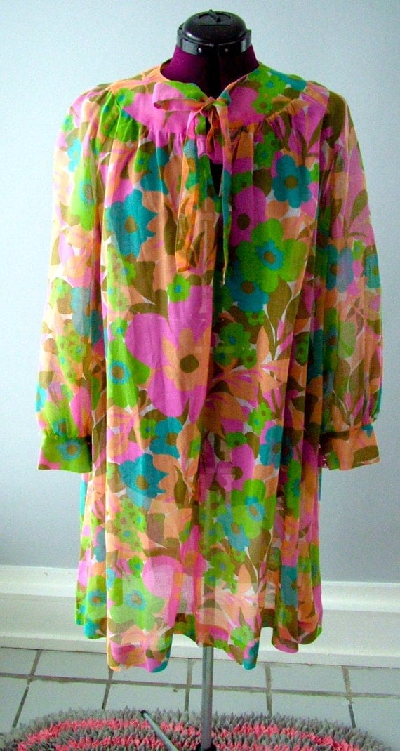 Vintage 1970's boho flowy flower dress